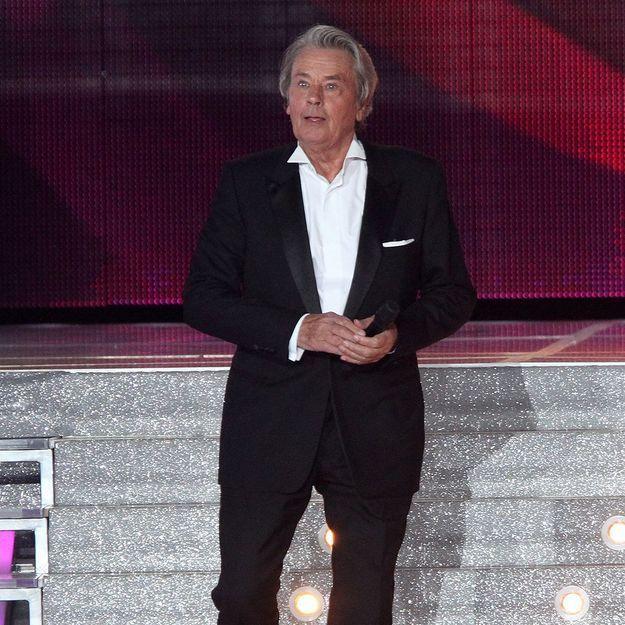 Décrié, Alain Delon quitte le comité Miss France