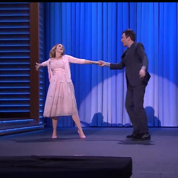 Drew Barrymore et Jimmy Fallon rejouent « Dirty Dancing »