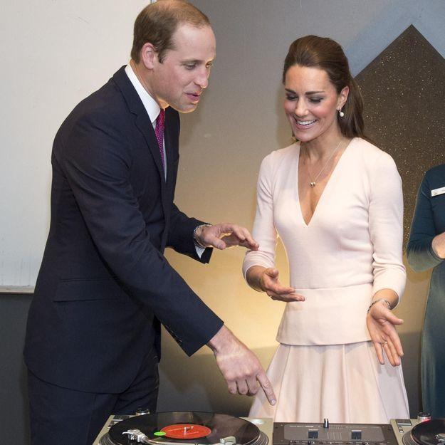 En Australie, DJ Kate Middleton donne des cours de mix au prince William
