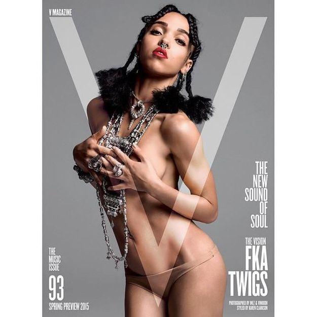 FKA twigs fait sensation en posant dénudée pour V magazine