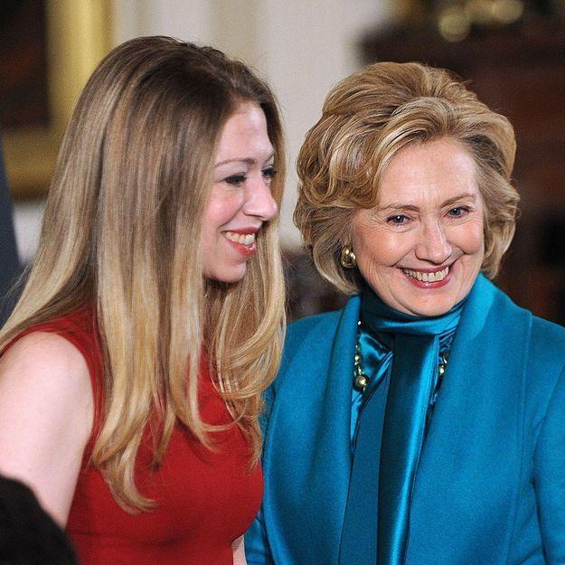 Hillary Clinton heureuse d'être bientôt grand-mère