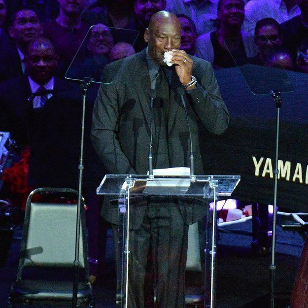 Hommage à Kobe Bryant : les larmes de Michael Jordan