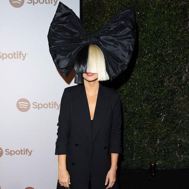 « J'ai adopté deux garçons l'an dernier » : Sia se confie sur sa vie de famille