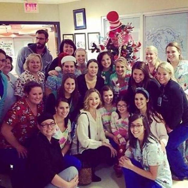 Jennifer Lawrence a passé le réveillon dans un hôpital pour enfants