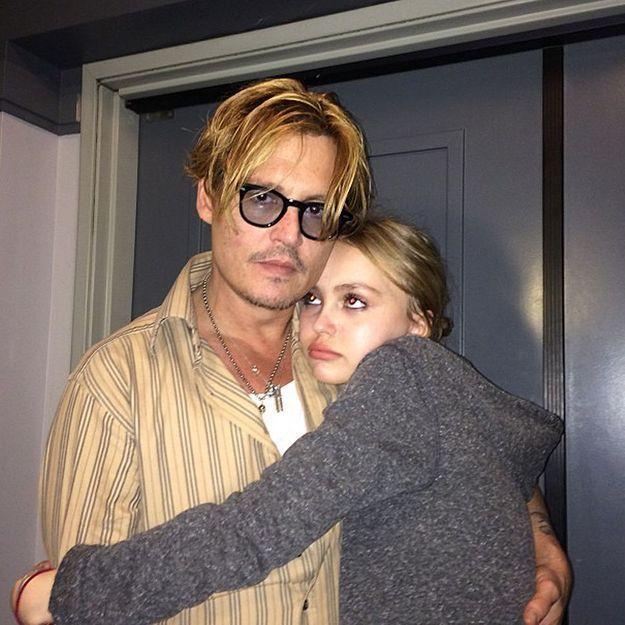 Johnny Depp collectionne les poupées de sa fille