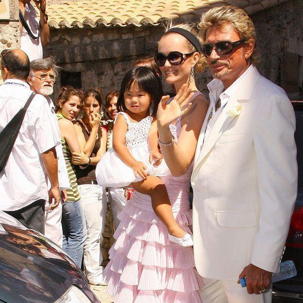 Johnny Hallyday : le photographe du rockeur raconte l'adoption de Jade au Vietnam
