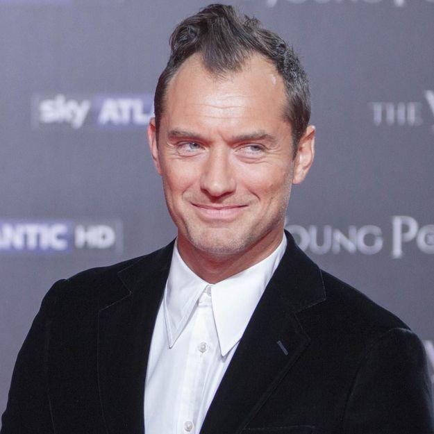 Jude Law : sa nouvelle coiffure rend les internautes fous