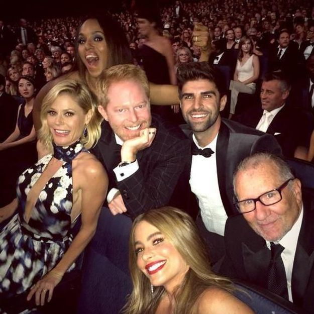 Kerry Washington photobombe les acteurs de Modern Family