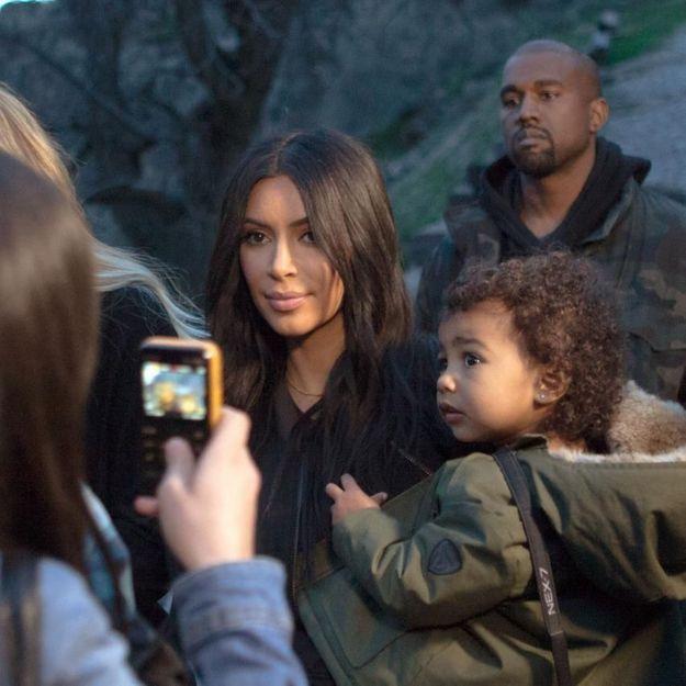 Kim Kardashian emmène North sur les traces de sa famille