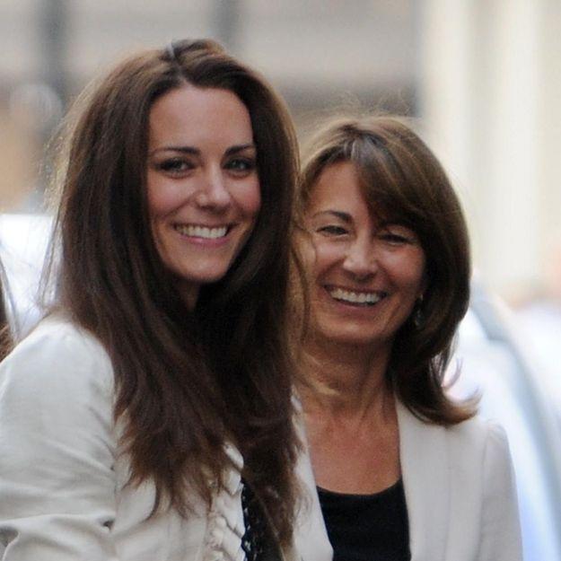 """La mère de Kate Middleton """"snobe sa propre famille"""" selon sa filleule"""