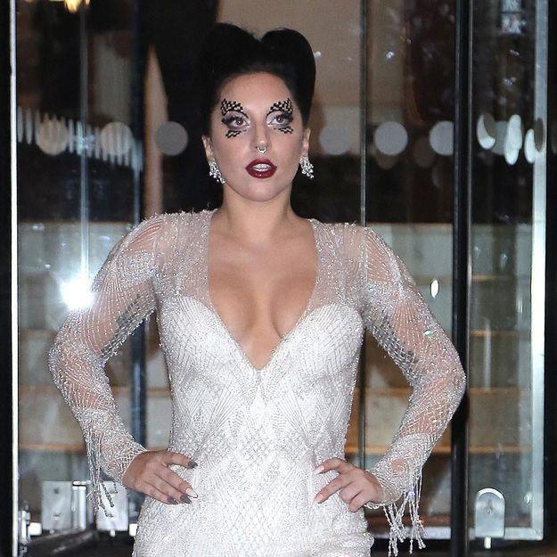 Lady Gaga : ses vêtements, une thérapie ?