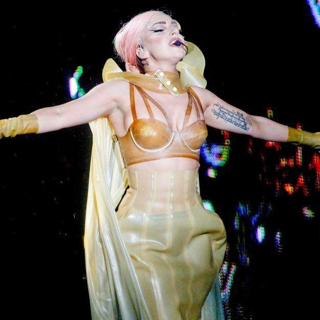Lady Gaga retire une chanson d'« Artpop » en hommage à Lady Di