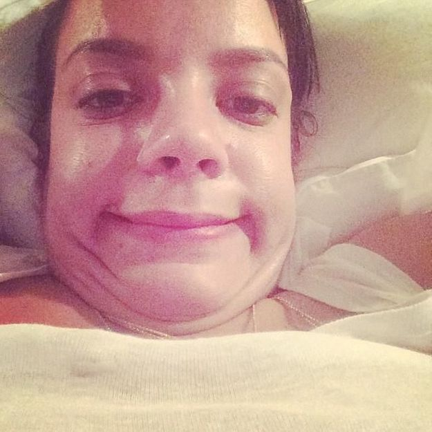 Lily Allen signe un selfie peu avantageux