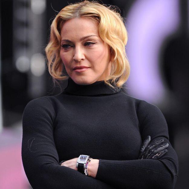 Madonna révoltée par les violences en Ukraine incite ses fans à se mobiliser
