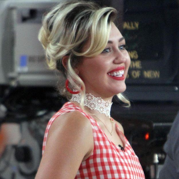 Miley Cyrus : « Ma première relation, c'était avec une fille »