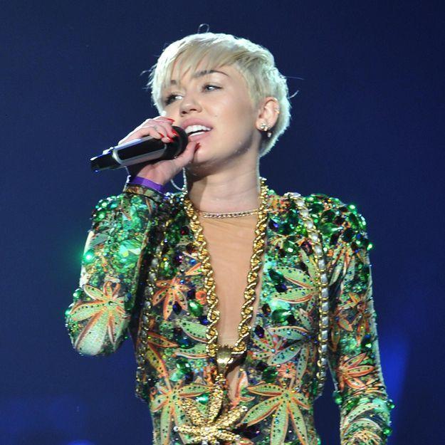 Miley Cyrus rassure ses fans après son hospitalisation
