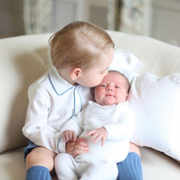 Princesse Charlotte : découvrez les premiers clichés avec le prince George
