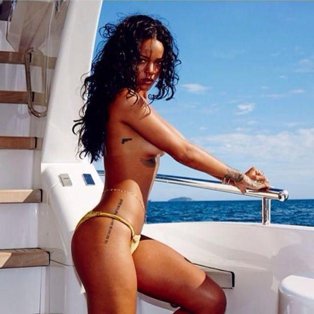 Rihanna : elle pose encore nue