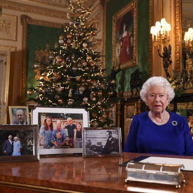 Scandales et guerre dans la famille royale : la reine d'Angleterre s'adresse aux Britanniques