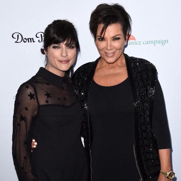 Selma Blair dans la peau de Kris Jenner : les premières images