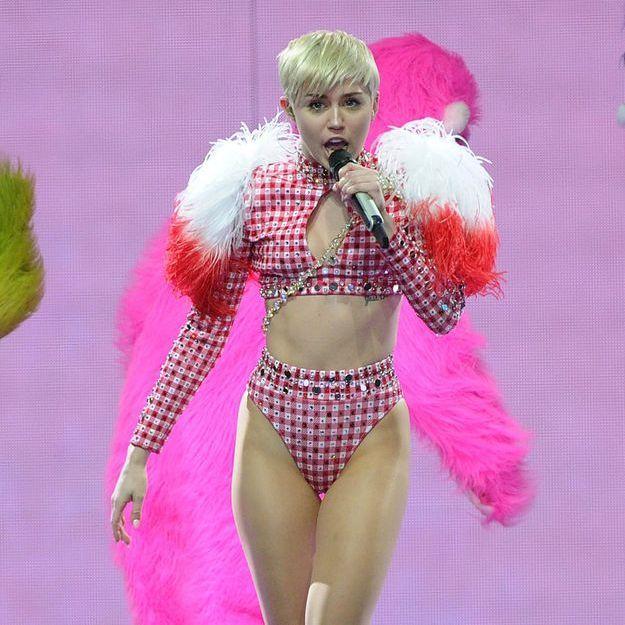 Explosion lors de sa tournée, Miley Cyrus évacuée d'urgence
