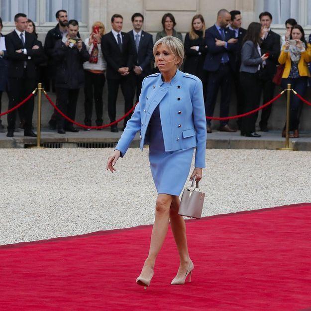 Voilà pourquoi Brigitte Macron est toujours habillée en Louis Vuitton