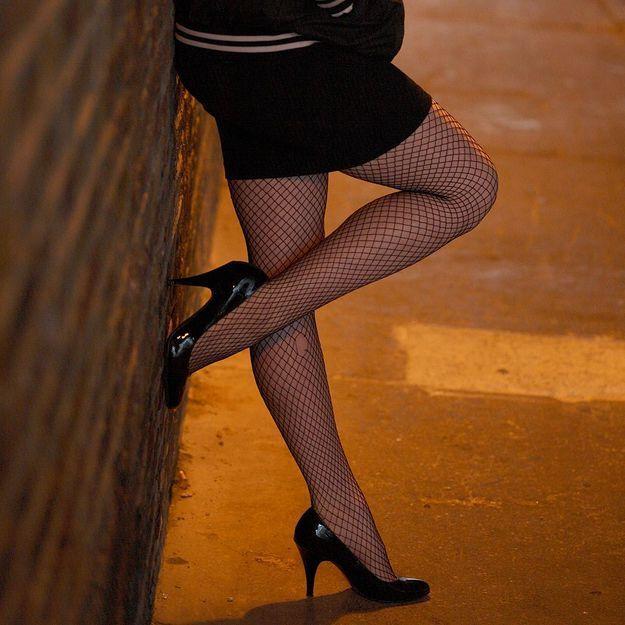 12 politiques appellent à abolir la prostitution
