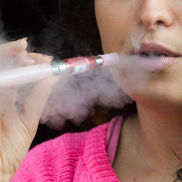 Cigarette électronique: deux jeunes sur cinq l'ont dejà testée