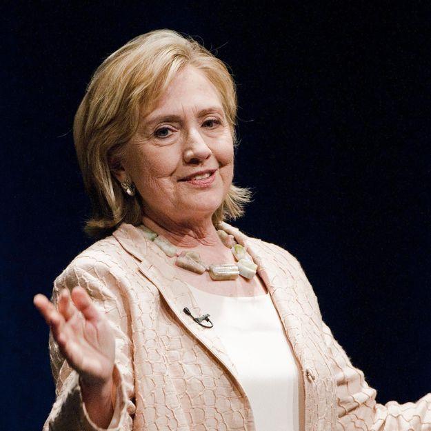 Hillary Clinton pauvre ? Elle admet avoir eu des propos maladroits