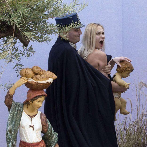La Femen qui a manifesté au Vatican placée en détention