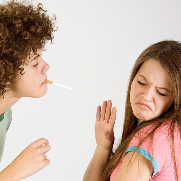 Les adolescents boudent la cigarette