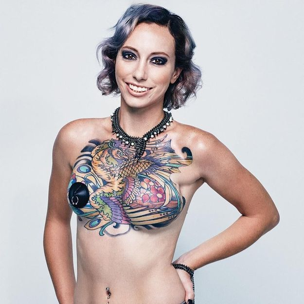 Octobre rose : des survivantes du cancer se réapproprient leur corps avec des tatouages