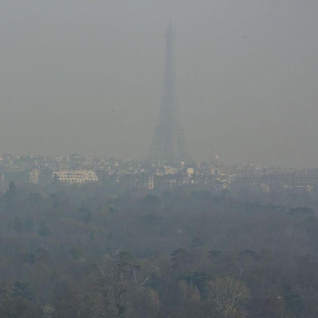 Pollution: les internautes à la recherche de la tour Eiffel