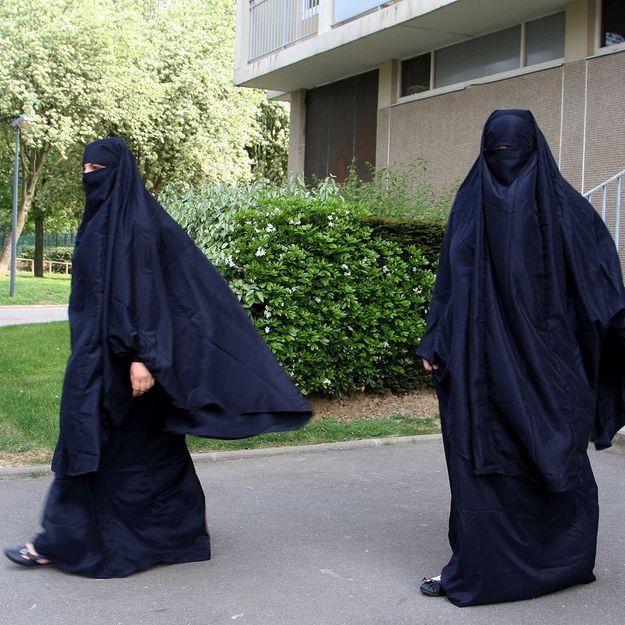 Trappes: un mois avec sursis pour la femme au niqab
