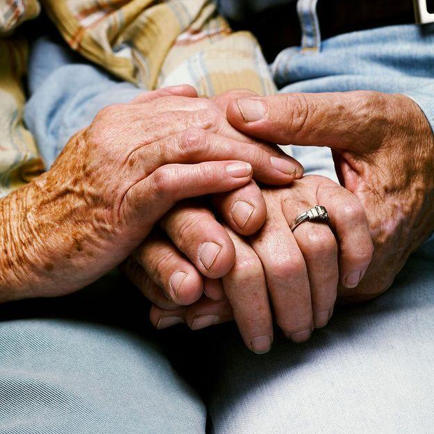 Un double suicide relance le débat sur l'euthanasie