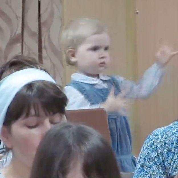 Une fillette chef d'orchestre fait le buzz
