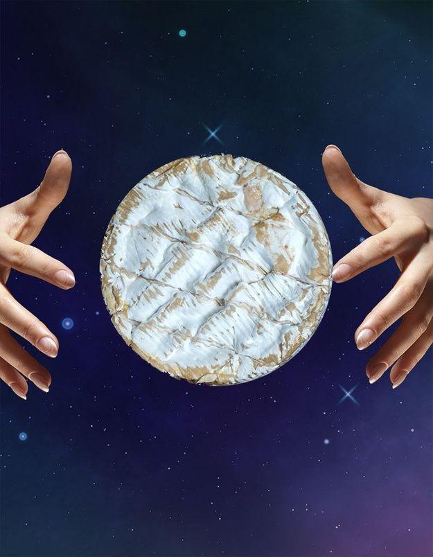 La tyromancie, l'art divinatoire qui lit le fromage