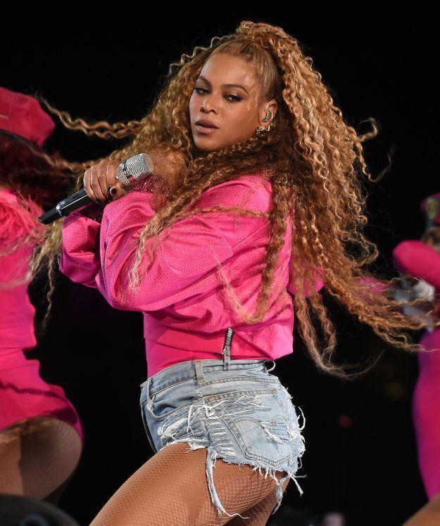 Beyoncé et sa queue haute crantée