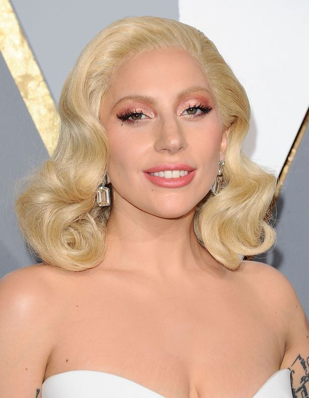 Le carré hollywoodien de Lady Gaga