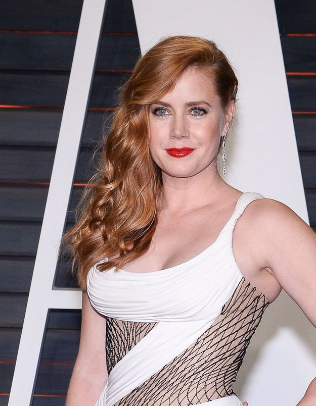 Le one shoulder d'Amy Adams