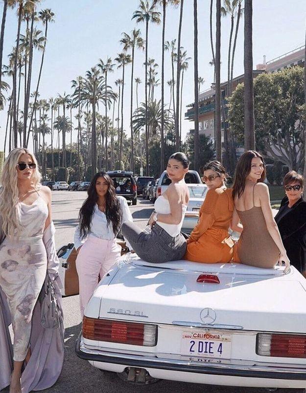 Les Kardashian changent radicalement de look pour une vidéo