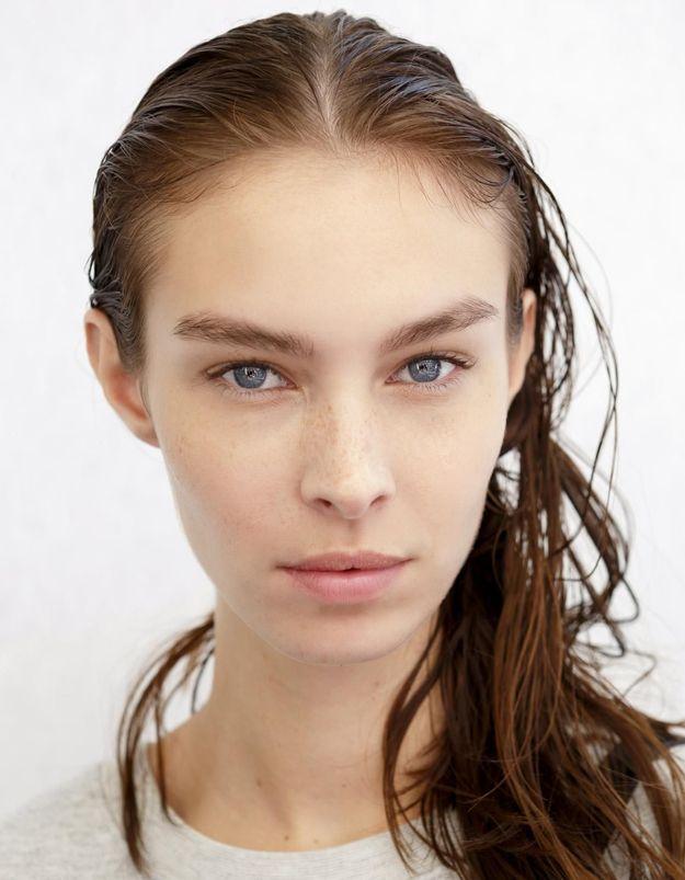 Pourquoi se brosser les cheveux lorsqu'ils sont mouillés est un geste à proscrire ?