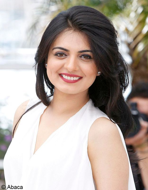 Niharika Singh 24 mai Cannes