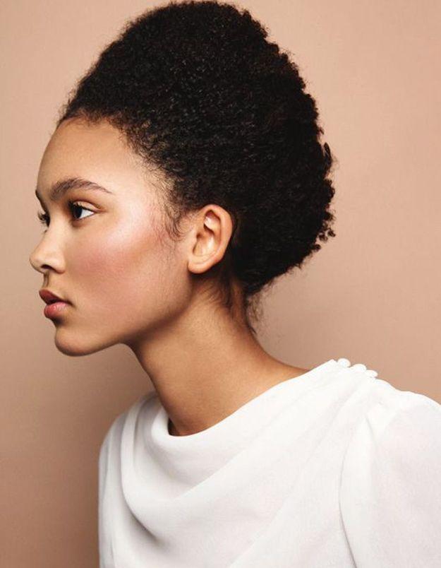 Coiffure cheveux crépus courts femme