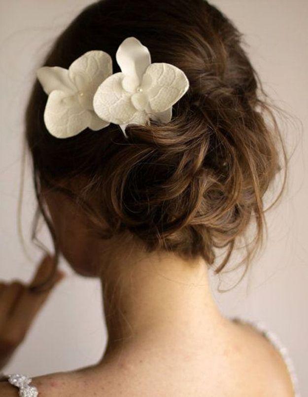 Chignon de mariée avec orchidée