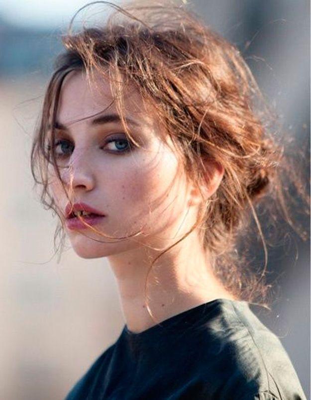 Coiffure coiffée décoiffée femme