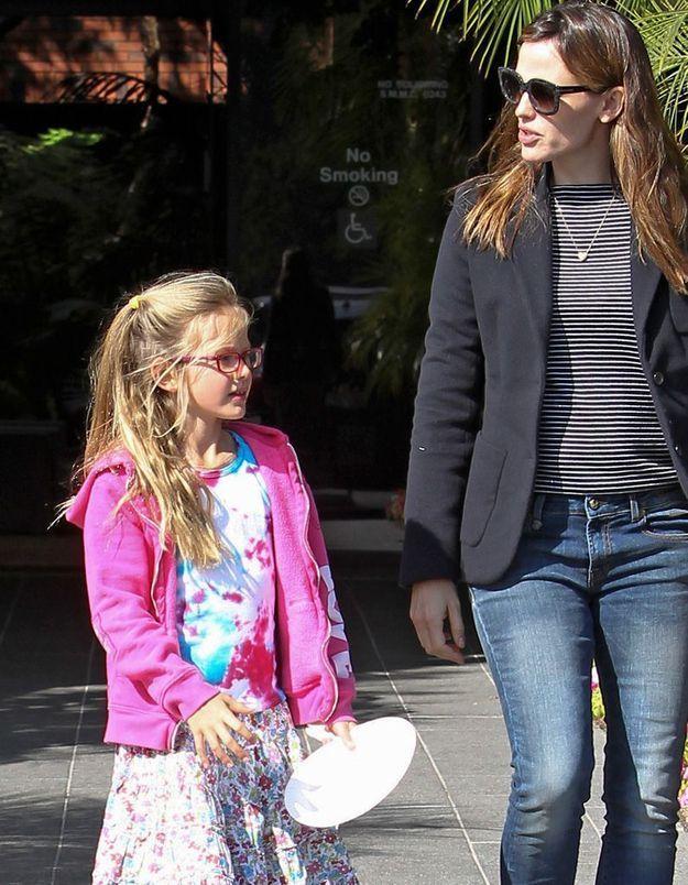 Coiffure enfant : la demi-queue de Violet Affleck