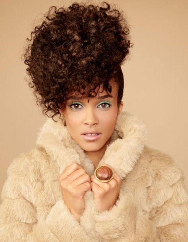 Coiffure cheveux afro frisés printemps été 2015