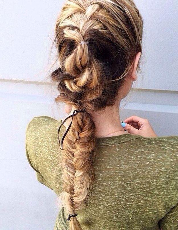 Coiffure facile à faire soi-même pour cheveux longs