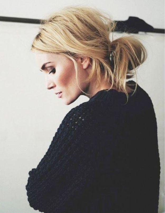 Coiffure cheveux mi longs en bun flou automne-hiver 2016